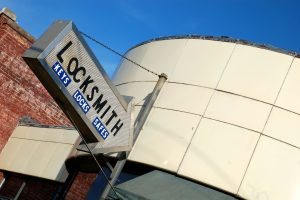 Locksmith Comapny (818) 847- 7199
