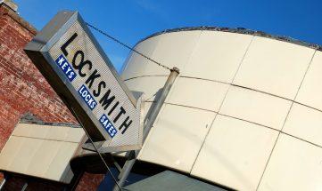 Locksmith Los Angeles (818) 847- 7199